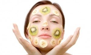 Woman_fruit_face_mask